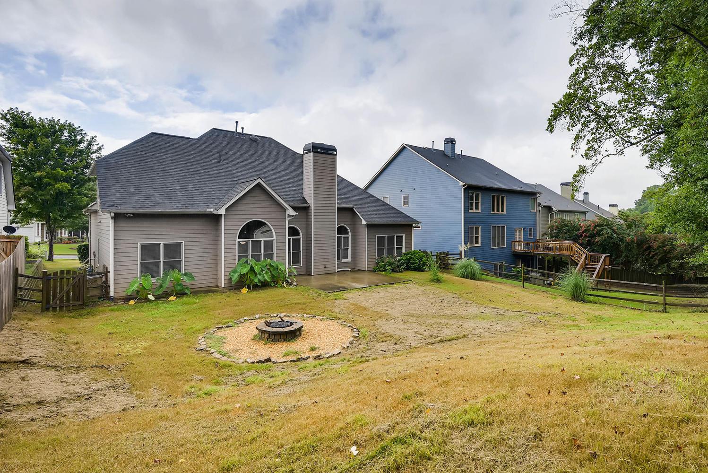 Photo of 1060 Middlebrooke Dr, Canton, GA, 30115