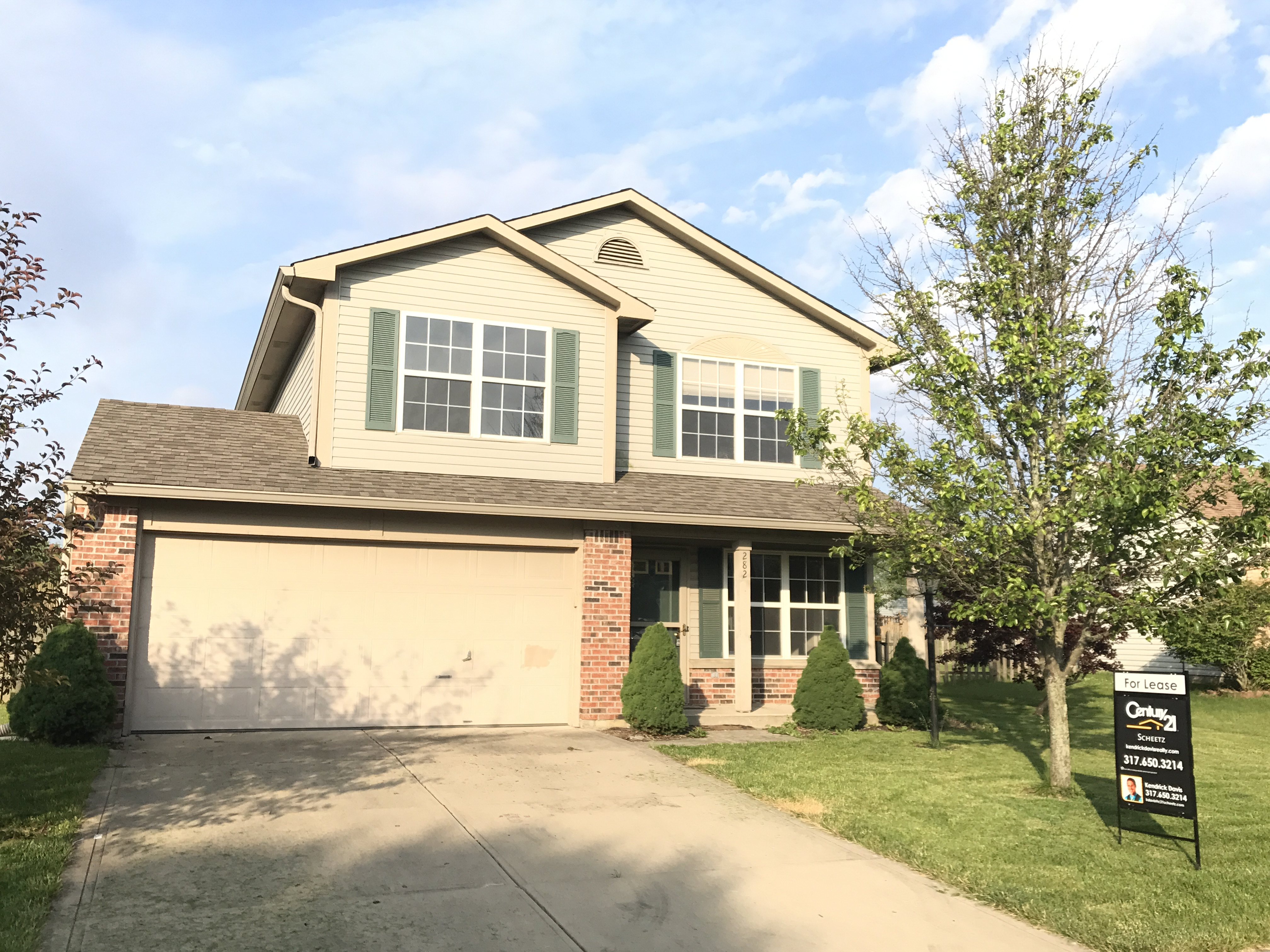 Photo of 282 E Brixton Woods Dr, Pittsboro, IN, 46167