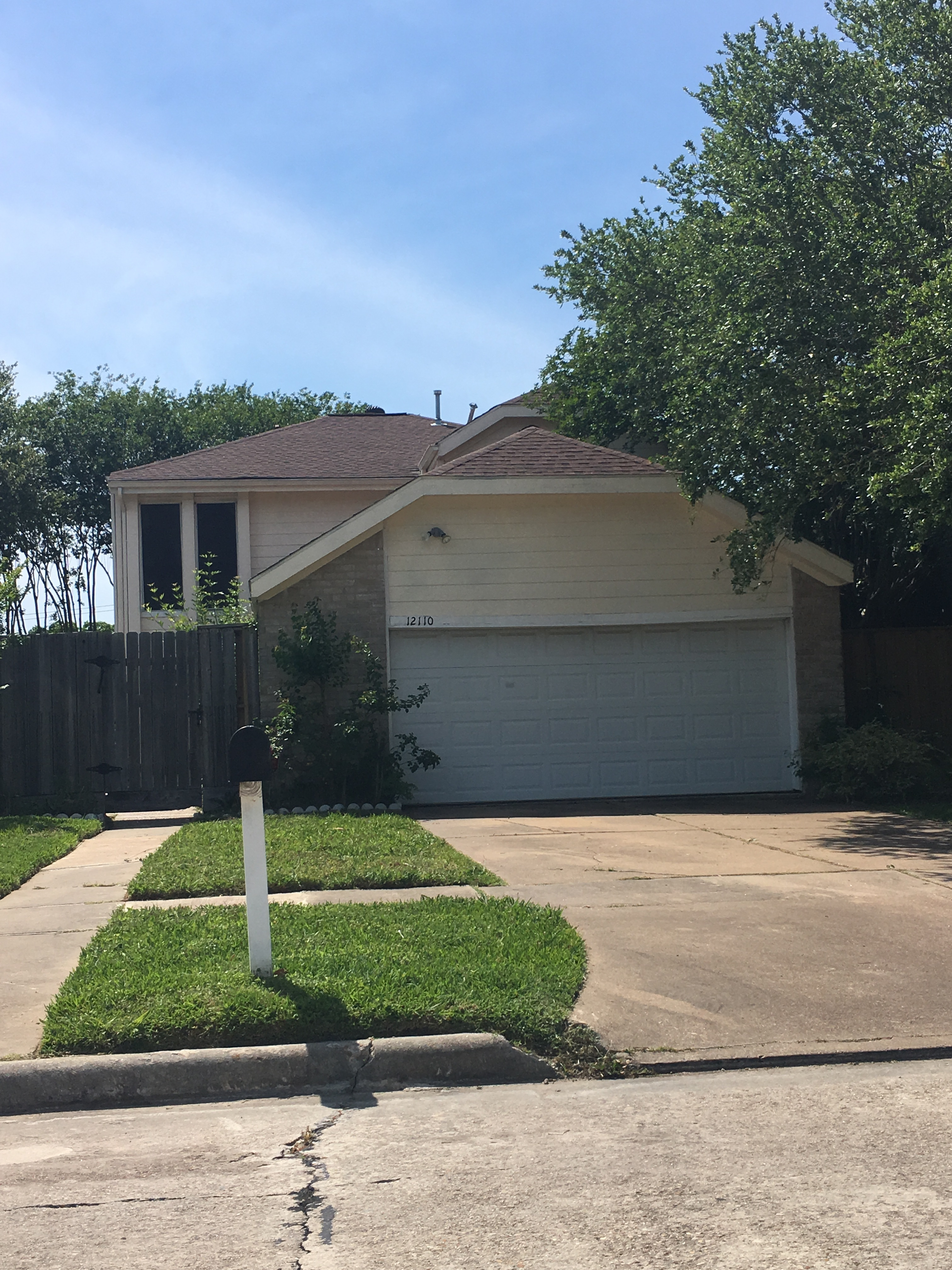 Photo of 12110 Meadow Valley Ln, Meadows Place, TX, 77477