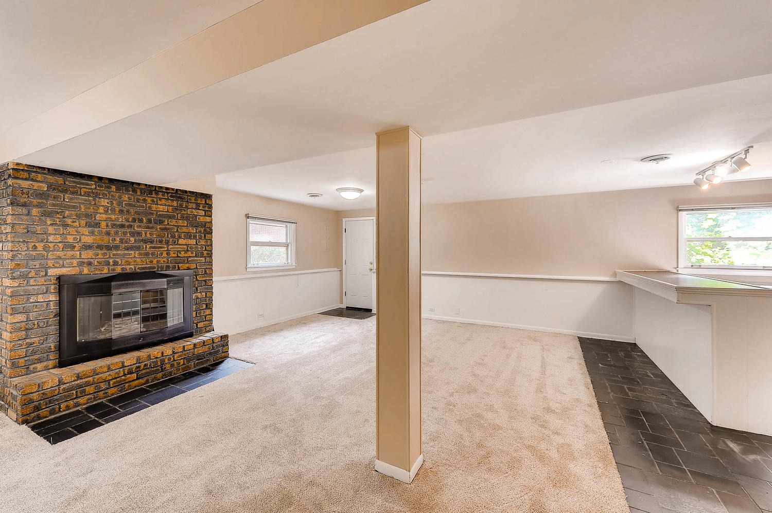 Photo of 2003 N Chestnut Ave., Arlington Heights, IL, 60004