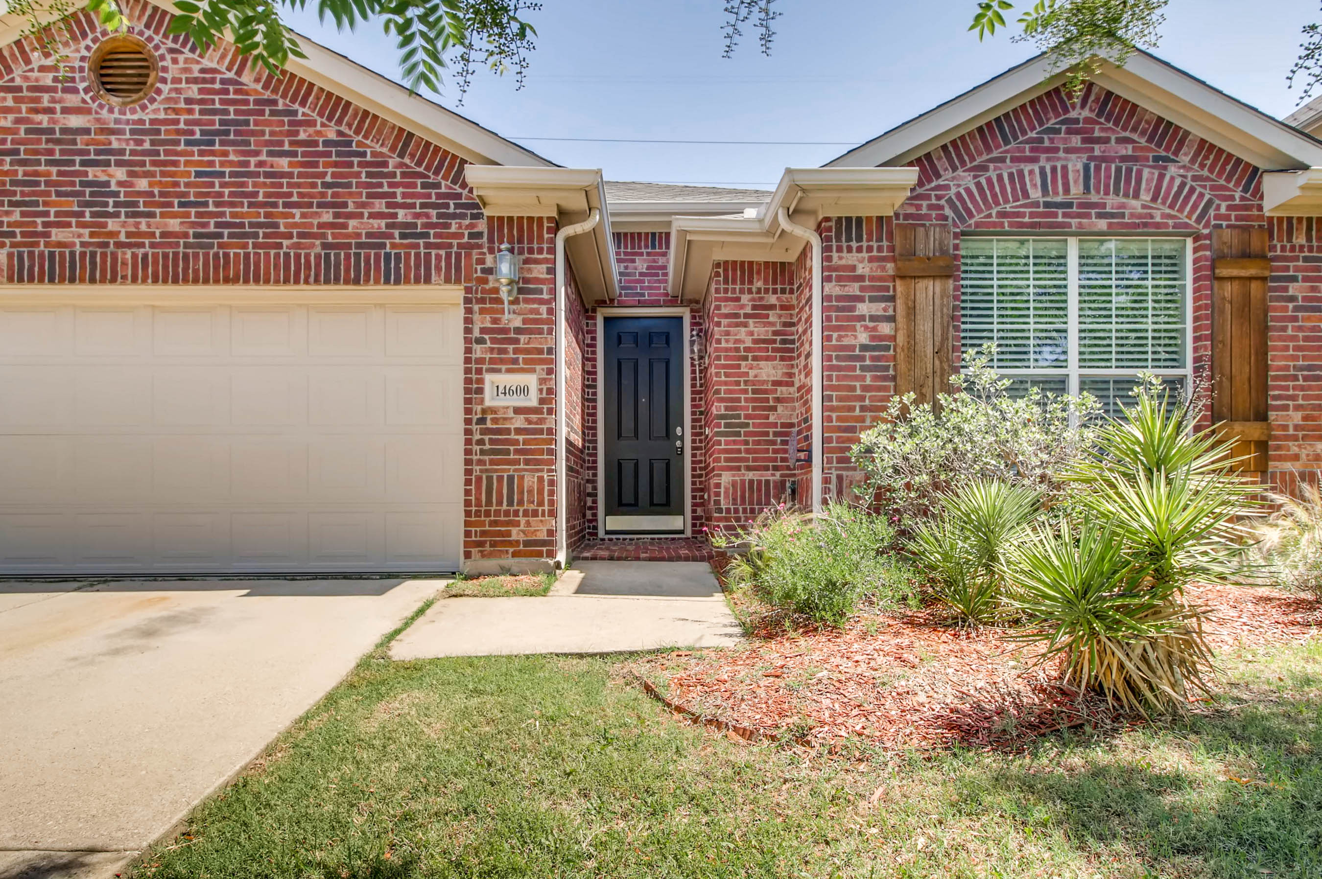 Photo of 14600 Eaglemont Dr, Little Elm, TX 75068