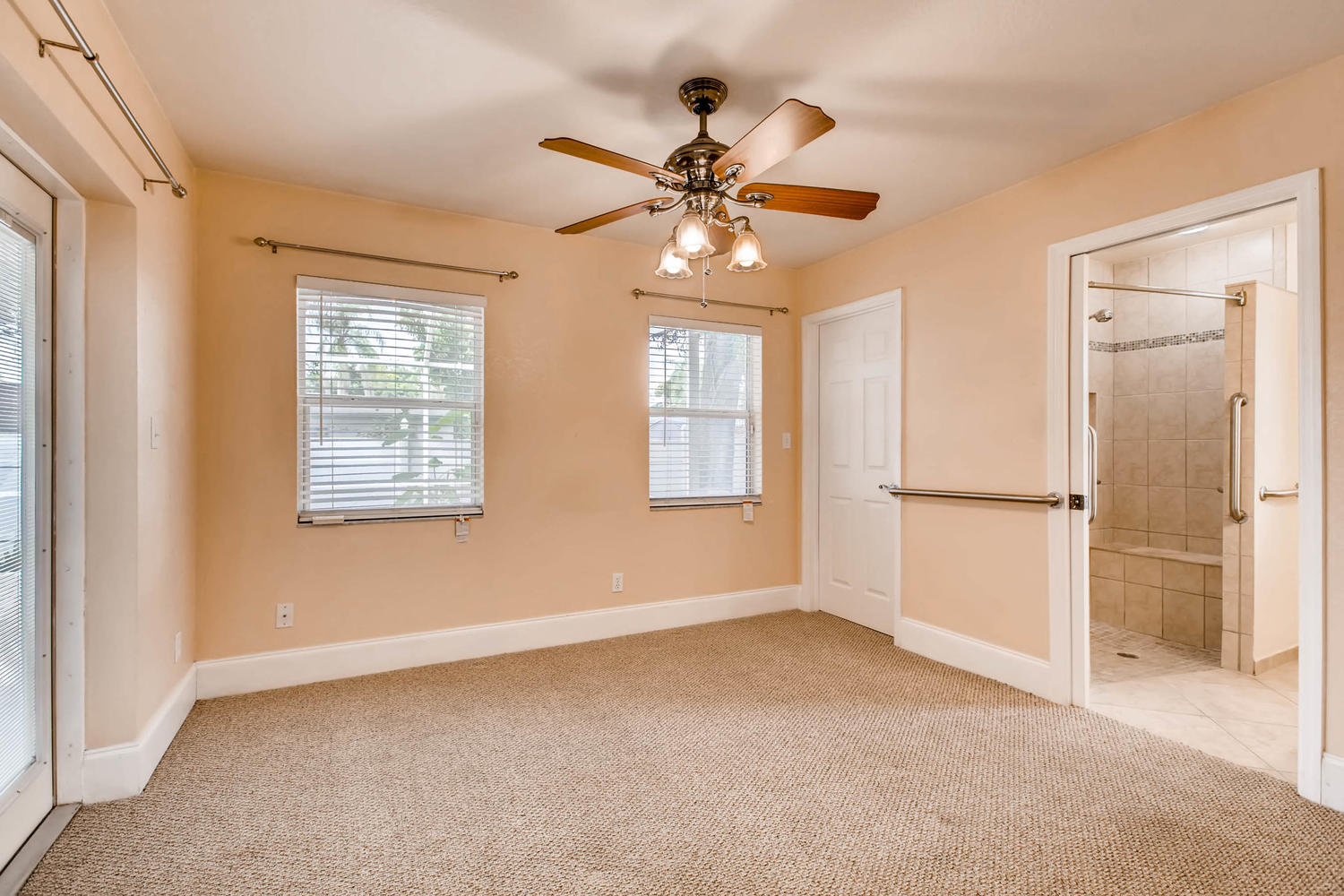 Photo of 11375 68th Ave, Seminole, FL, 33772
