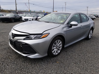 2018 Toyota Camry LE (L4, 2.5L)