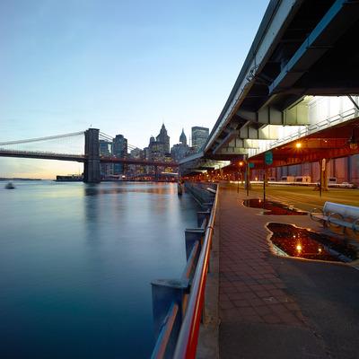Brooklyn bridge downtown manhattan