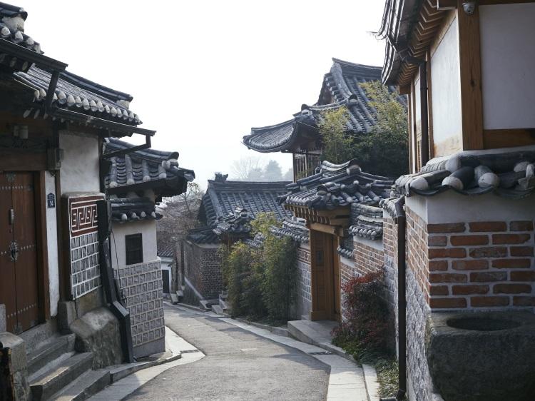 The historic neighborhood of Samcheong-dong.