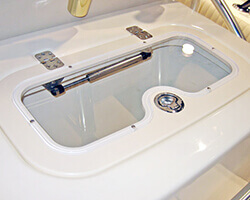 Starboard Baitwell Lid with Flush Hinges Stainless Flush Latch and Recessed Acrylic Insert