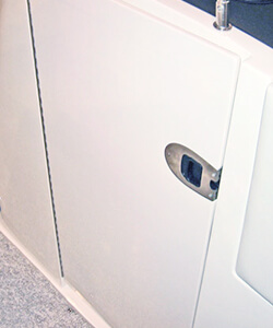Wind Break Door with Omni Latch