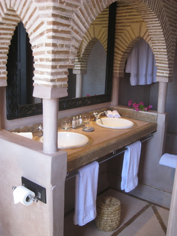 Private ensuite with bath & shower for all rooms
