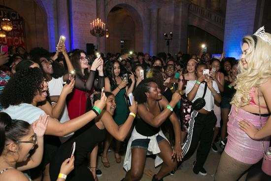Over 600 Teens Attend NYPL's Annual Anti-Prom—A Night of Glitter, Fashion, & Acceptance