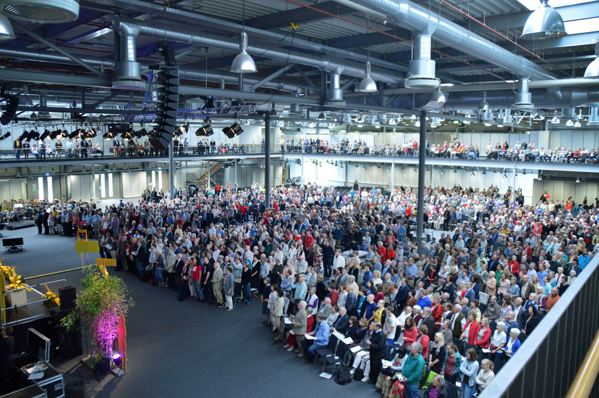 2015 ordination service in the South Germany Conference.
