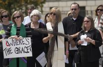 United Methodists and other Christians gather at the Tennessee State Capitol in Nashville to ask leaders to reconsider a new law allowing the state to execute death row inmates using the electric chair. About 50 people joined in the protest. Photo by Mike DuBose, UMNS.; Photo by Mike DuBose, UMNS