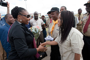 Nyamah Dunbar (right) greets South African singer and anti-malaria ambassador Yvonne Chaka Chaka in Lubumbashi, Democratic Republic of the Congo in April 2010.