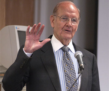 George McGovern spoke at a Servant Leader Symposium, sponsored by the United Methodist Higher Education Foundation and the Kerr Foundation, in Washington in 2003. A UMNS file photo by Jay Mallin.