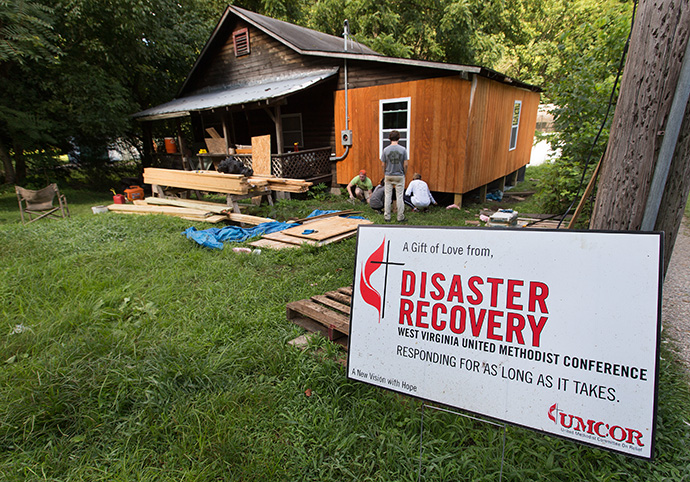 An UMCOR disaster recovery sign outside a home in West Va. Photo by Mike DuBose.