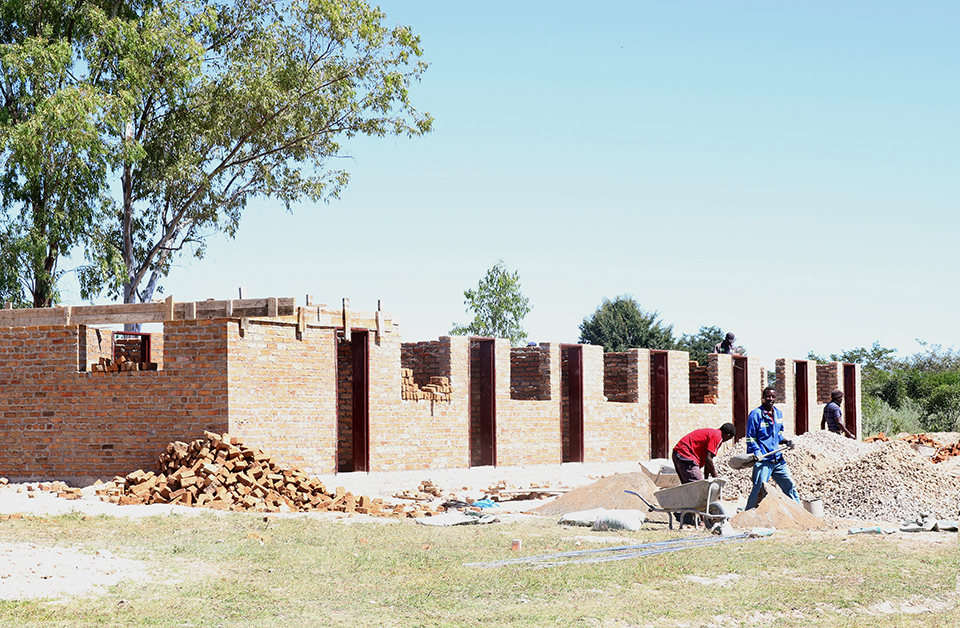 Work is underway on a new modern health clinic at Munyarari Mission in Mutare, Zimbabwe. The facility will have outpatient rooms, a maternity wing, a waiting area for expectant mothers with high-risk pregnancies, housing for staff, washing facilities and a borehole. Photo by Eveline Chikwanah, UMNS.