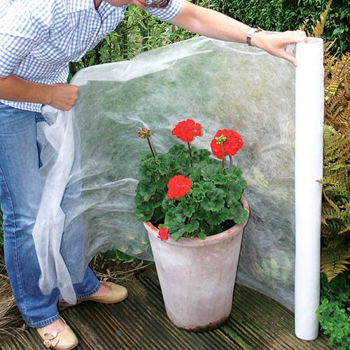 Woven Frost Protection Fleece - Roll 2M x 16M