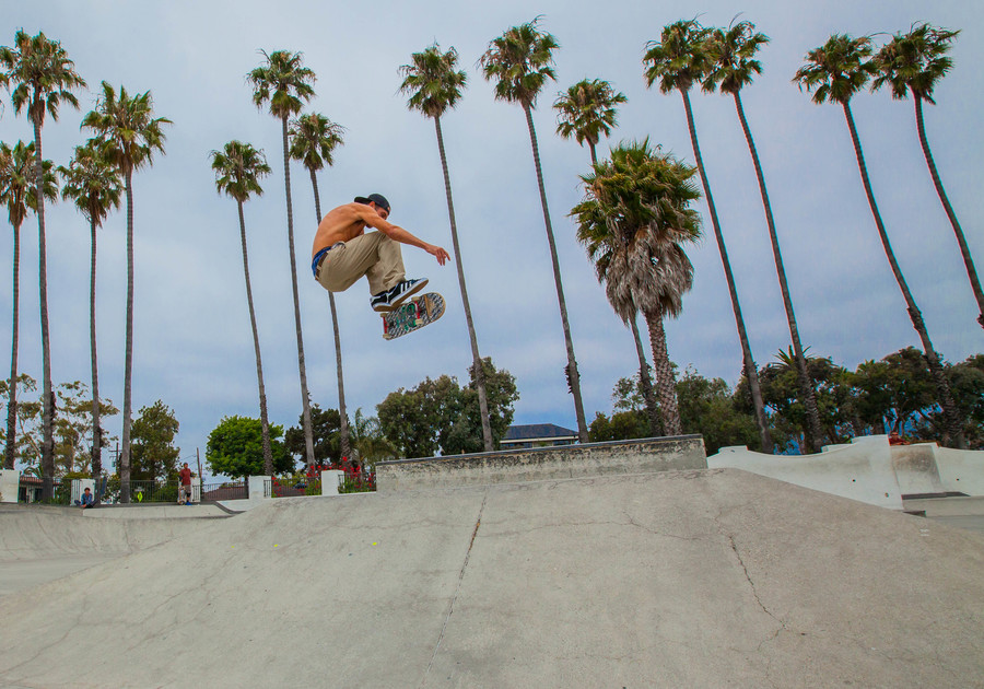 KICKFLIP / SANTA BARBARA / CALIFORNIA