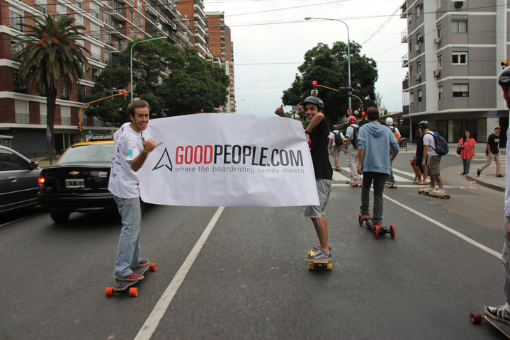 What a rad day! We had such a blast skating through the streets of Buenos Aires with the GoodPeople Argentina Team and the Longboard Community