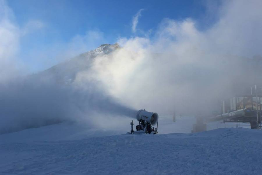 Guns are running at Kirkwood! It's cold up in Tahoe! Hope they get some more snow.