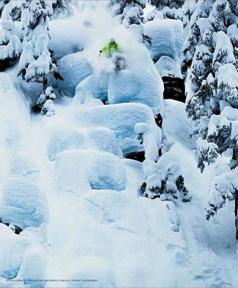 Congrats to team rider #AriDeLashmutt and photog #TylerRoemer for getting an epic shot published in #backcountrymag ! #iNiSnow #Freeski #POW