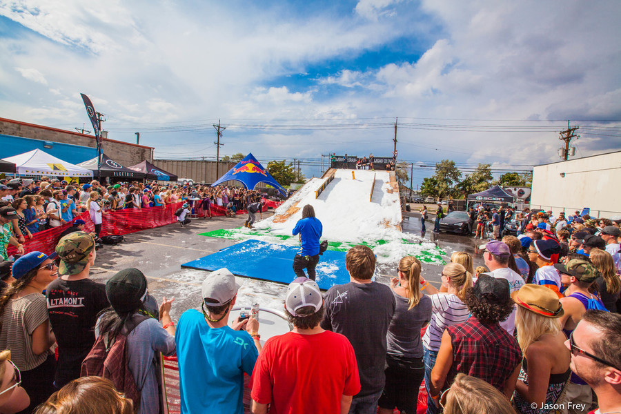 Snowboard on The Block  / RAIL JAM  / Denver