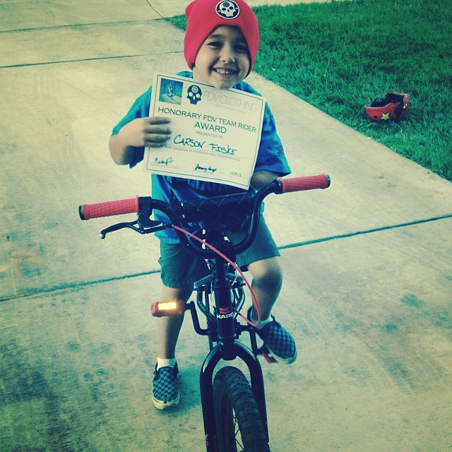 Carson displays courage and skill beyond his 5 years.  One arm? No problem.  This kid shreds on the bike and doesn't let anything stop him! Proud to hook him up.