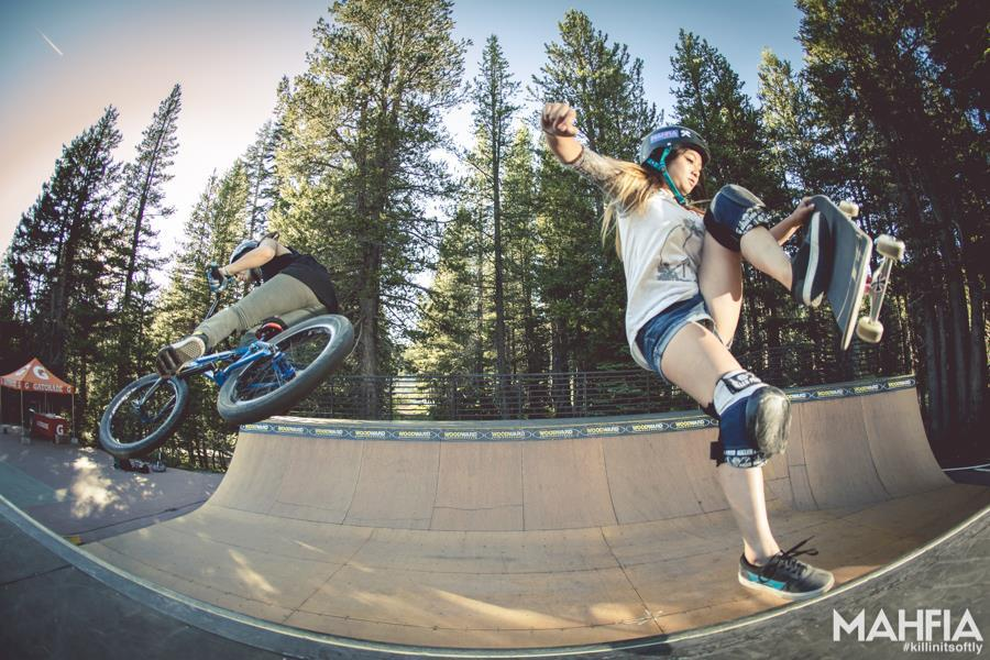 Super sick photo of our friend @nikitaducarroz from @fdvclothing and Allysha Bergado doing doubles in the mini ramp at Woodward Tahoe's Girls Week.