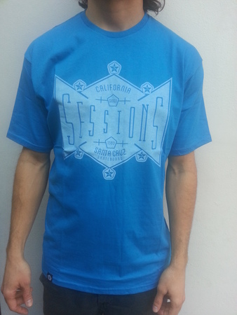 Mangas Cortas - Sessions Remera Santa