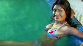 Meghna Naidu Hot Bikini Scene – Ei8ht Shani