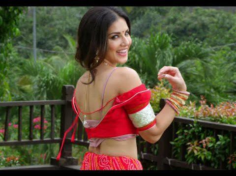 Sunny Leone Stripping Scene – Kuch Kuch Locha Hai