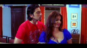 Deepshikha Nagpal Cleavage Scene – Dhoom Dadakka