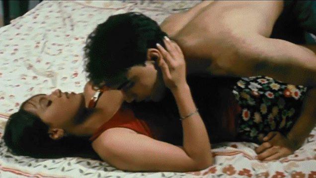 Sana Khan Romance Scene – Meri Majboori