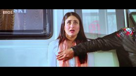Shah Rukh Khan Place His Hand on Kareena Kapoor Boobs – Ra.One