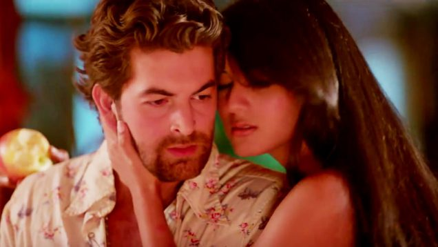 Sonal Chauhan and Neil Nitin Mukesh Hot Kissing Scene – 3G