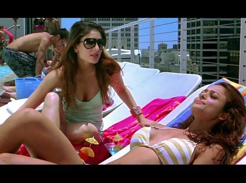 Kareena Kapoor and Amrita Arora in Swim Suit – Kambakkht Ishq