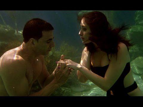 Kareena Kapoor Bikini Scene – Kambakkht Ishq