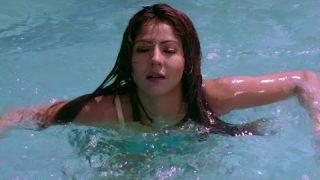 Hina Tasleem Swimming Pool Scene –  Sheetalbhabi.com