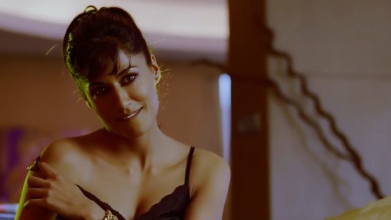Chitrangada Singh Stripping Scene – Desi Boyz