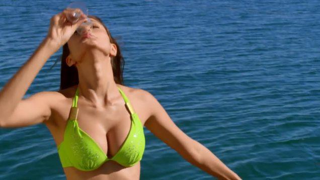 Suzana Rodrigues Hot Cleavage Scene – Warning