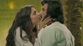 Deepika Padukone and Ranveer Singh Hot Lip Lock – Goliyon Ki Rasleela Ram Leela