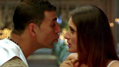 Kareena Kapoor and Akshay Kumar Hot Lip Lock – Kambakkht Ishq
