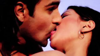 Riya Sen Kissing Ashmit Patel Publicly – Silsiilay