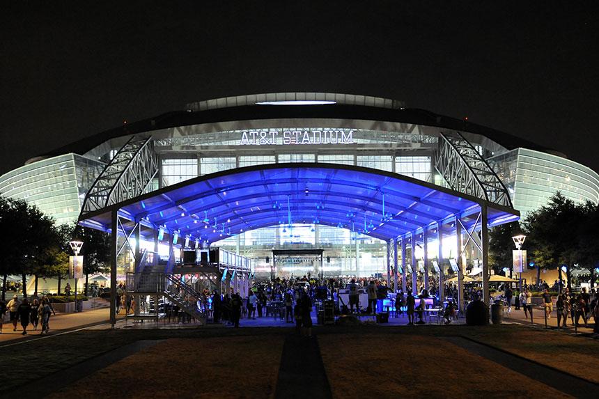 Dallas Cowboys Miller Lite Corral