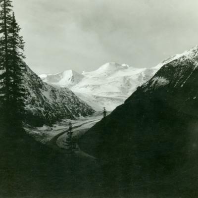 Horse Thief Glacier at head of Horse Thief Creek