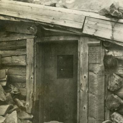 Cabin Near Lake in Bilk Basin