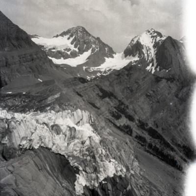End of glacier & pass east of it from where roll #5 pictures were taken