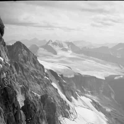 Snowfield of first peak