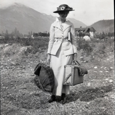 Miss Candace Hewitt arrives at Jasper