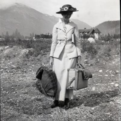 Miss Candace Hewitt arrives at Jasper