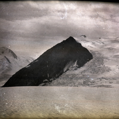 Grand Mt. Sugar Loaf from Deville neve